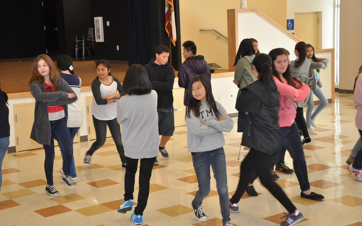 Japanese Students Visit dance 2
